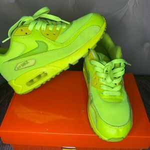 AUTHENTIC used Air Max 90's